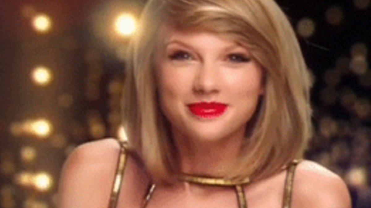 Gif protagonizado por la cantante Taylor Swift.