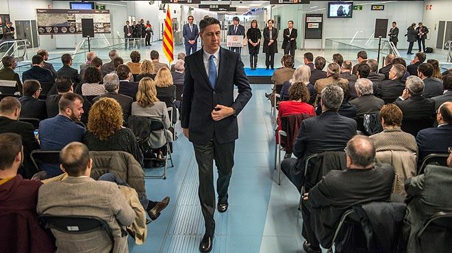 El presidente del grupo parlamentario del PPC, Xavier Garcia Albiol, ha abandonado elacto de inauguraci�n de la L9 Sur cuando el presidente de la Generalitat ha acusado al Estado de haber dimitido de sus responsabilidades de inversi�n en movilidad en Catalunya.
