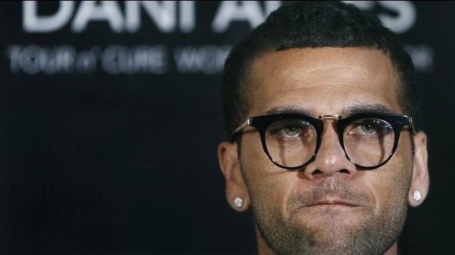 Alves, durante su rueda de prensa del martes en Barcelona