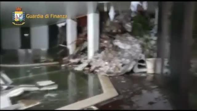 Un vídeo mostra l'estat desolador de l'hotel Rigopiano després de l'allau de neu