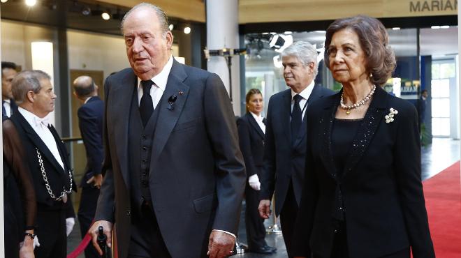 Los Reyes eméritos de España despiden a Helmut Kohl