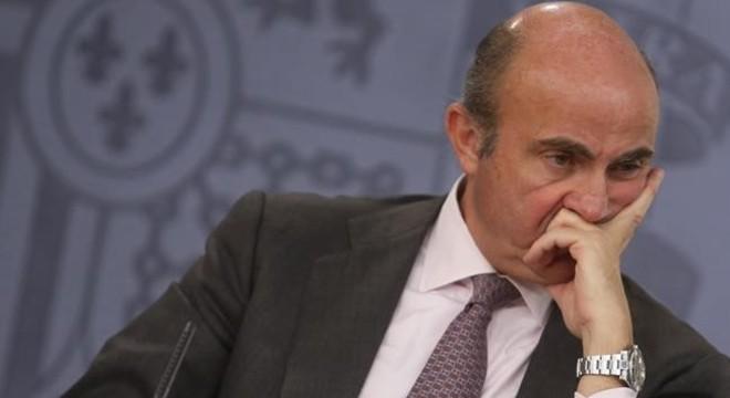 Luis de Guindos tras un Consejo de Ministros.