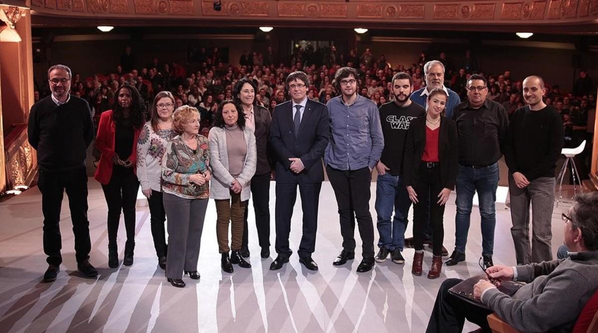 Agrio debate en las redes por la filiación política de los participantes de 'Jo pregunto'