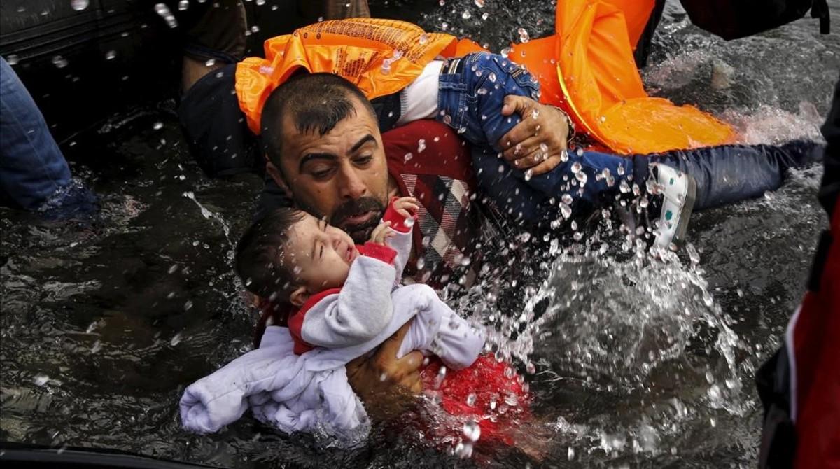 """Un informe acusa de """"homicidio por negligencia"""" a la UE por contribuir al aumento de muertes en el Mediterráneo"""