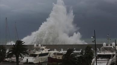 El temporal se ceba en el litoral barcelonés