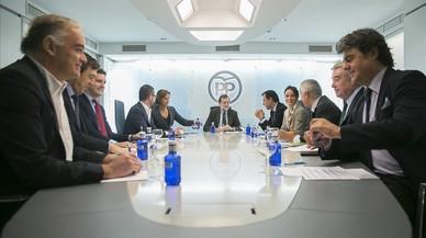 Diversos dirigents del PP rebutgen la proposta de primàries de Cifuentes