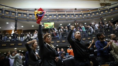 """La denúncia de """"frau"""" tensa encara més la situació a Veneçuela"""