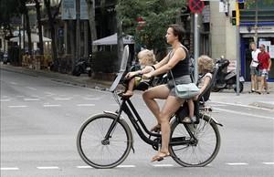 zentauroepp39543532 barcelona 03 08 2017 barcelona las bicis son para el verano171018175142