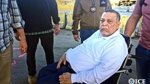 Inocente Montano a su salida de EEUU, en una imagen divulgada por el Servicio de Inmigración estadounidense.