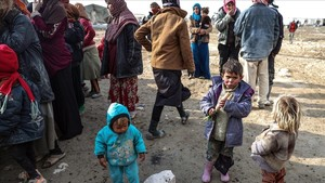 Niños sirios desplazados juegan en un refugio al este de Guta, cerca de Damasco (Siria), el 18 de enero.