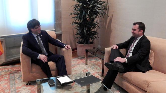 El alcalde de Terrassa, Jordi Ballart, en reuni�n con el presidente de la Generalitat, Carles Puigdemont.
