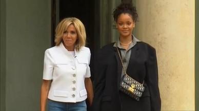 Emmanuel y Brigitte Macron reciben a Rihanna en el Elíseo
