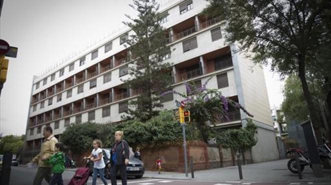 Fachada del edificio Casa Bloc, situado en el distrito de Sant Andreu de Barcelona.