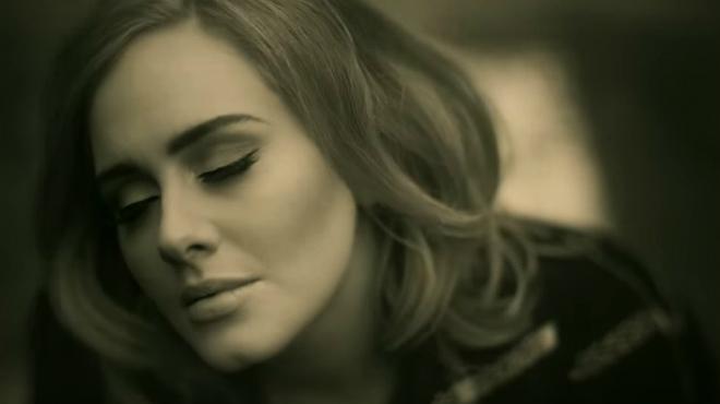 Adele torna a escena amb el vídeo 'Hello'