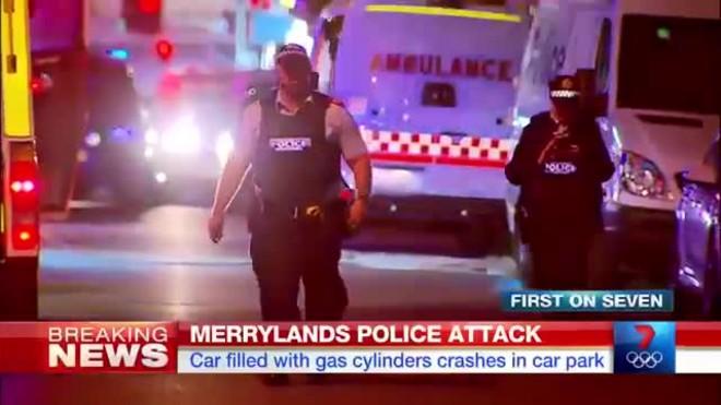 Im�genes sobre la embestida de un coche en el aparcamiento de una comisar�a en Sydney, el jueves 21 de julio.