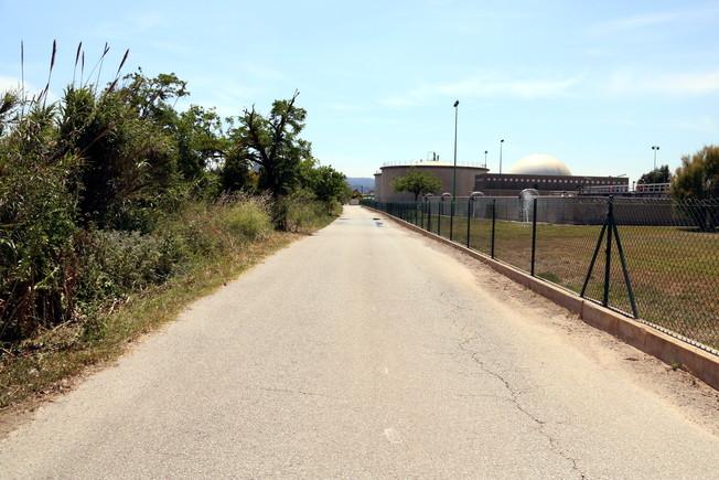 Camino en el que fue hallado el coche con las dos víctimas.