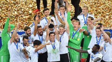 Xile regala el títol a l'altra Alemanya