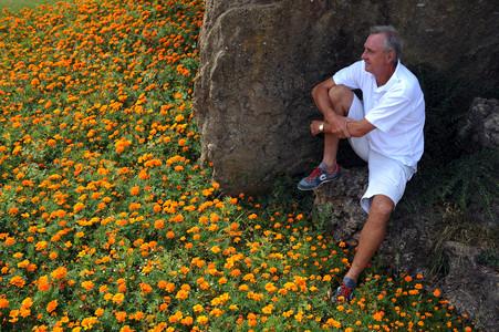 Johan Cruyff posa en El Muntanyà, donde tiene su residencia de verano, en agosto del 2009.