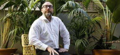 """Jimmy Wales: """"La respuesta a Uber no debe ser 'prohibir', sino 'competencia'"""""""
