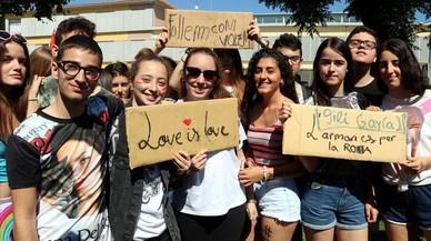 Protesta en un institut de Lleida per les teories homòfobes d'un professor de filosofia