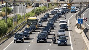 Marxa de taxistes a lautovia de Castelldefels.