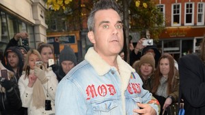 lmmarco41244138 london england december 08 robbie williams sighting at 171214160316