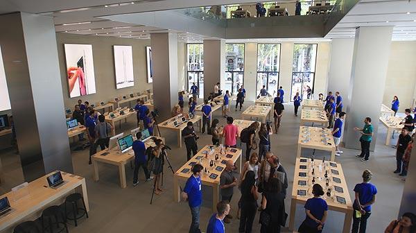 Apple ha mostrado hoy por primera vez su nueva tienda en Barcelona.