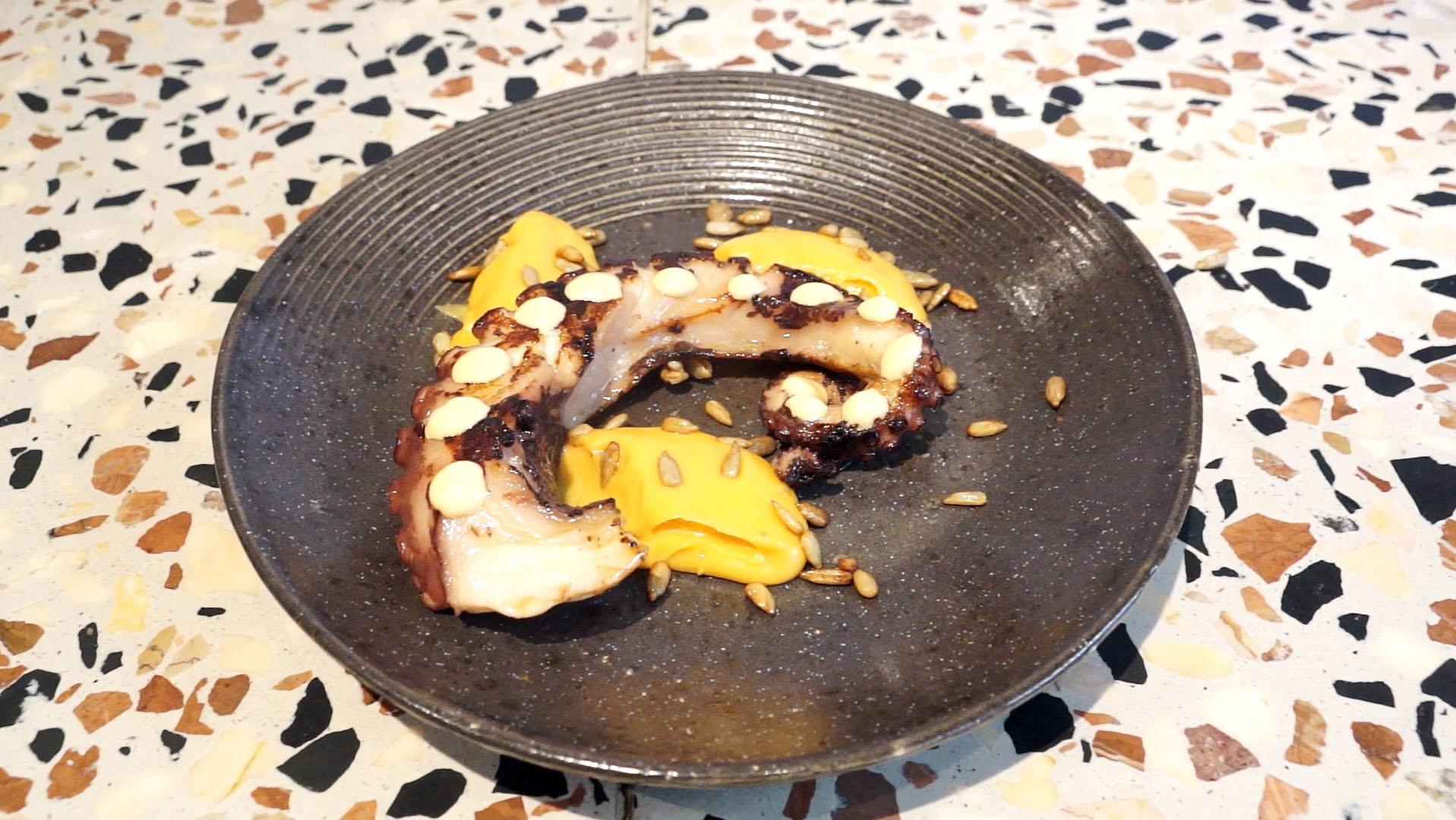 On Barcelona: El pulpo con 'kimchi' de 'El Sifó d'en Garriga'.