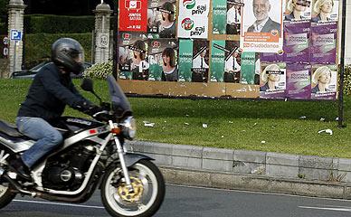 Carteles electorales en Bilbao.
