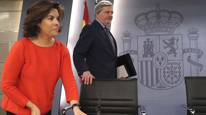 Gobierno insta a Puigdemont a debatir referéndum en Congreso