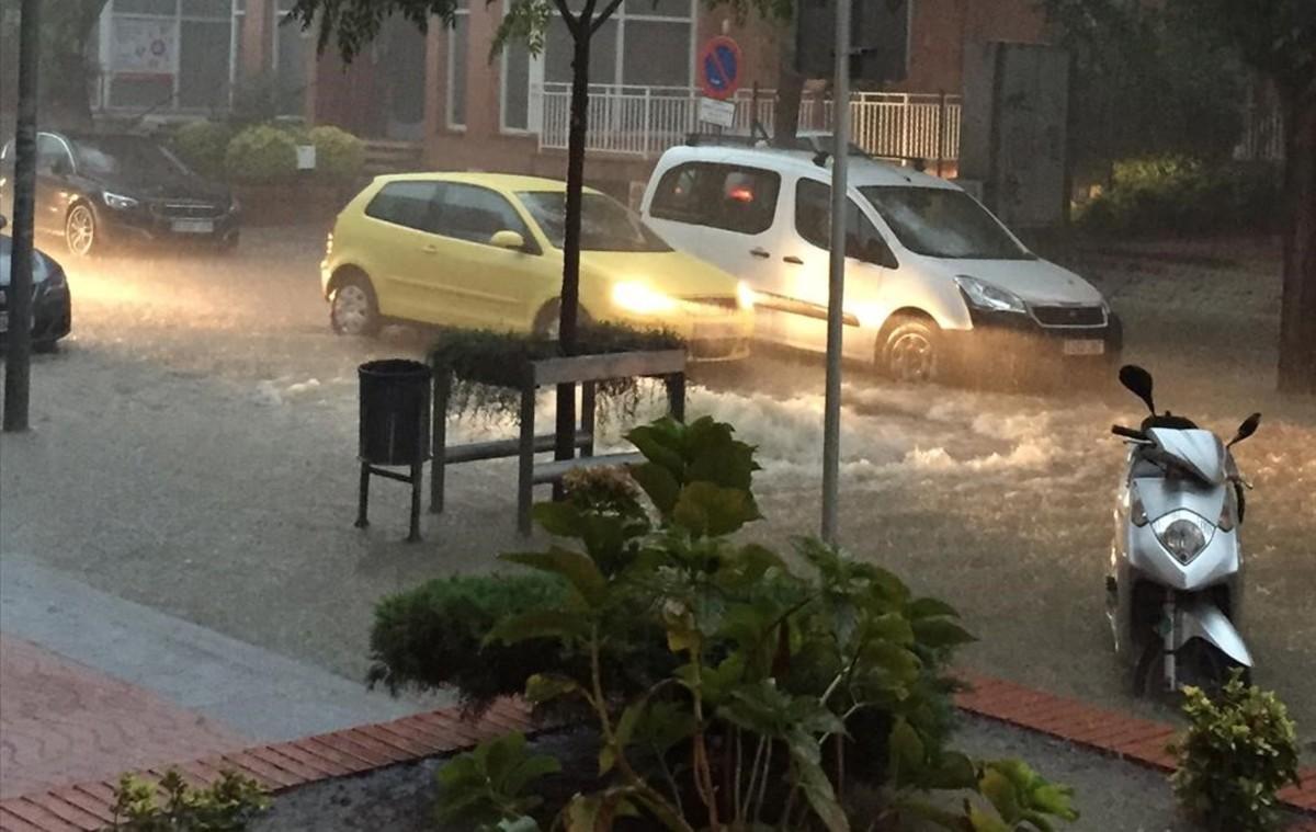 Un conductor muere arrastrado por la riera en Vilassar de Mar