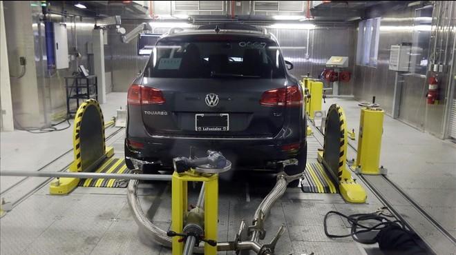 Un estudi detecta que alguns cotxes consumeixen un 36% més del que s'ha declarat