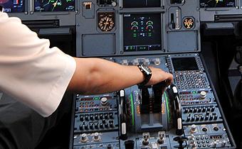 Cuadro de mandos de un Airbus 320.
