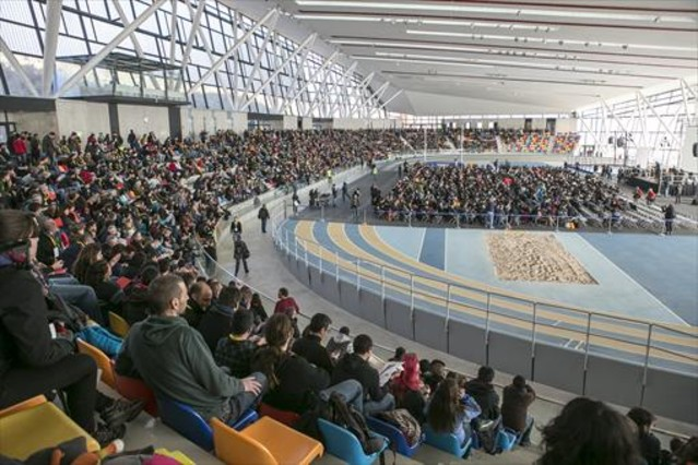 Asamblea en Sabadell 8 Aspecto que ofrecía la pista de atletismo cubierta vallesana durante la celebración de la asamblea de la CUP.