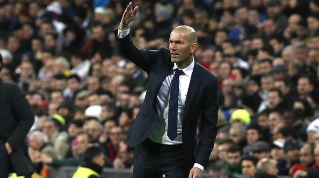 Zidane, durante el patido entre el Madrid y el Deportivo