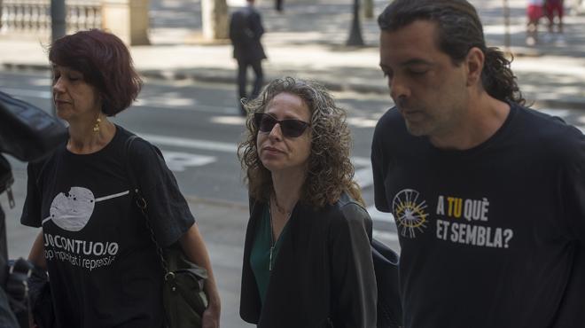 Declaraciones de Ester Quintana a las puertas de la Audiéncia