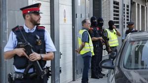 Registro en Vilafranca del Penedès relacionado con el atentado de Barcelona.