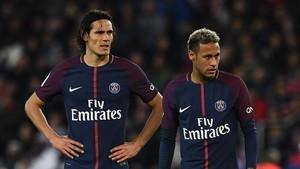 Cavani y Neymar, en un momento del partido de Liga con el Lyon