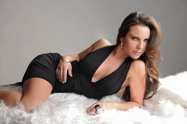 As� es Kate del Castillo, la actriz que puso en contacto a Sean Penn y a 'El Chapo' Guzm�n'