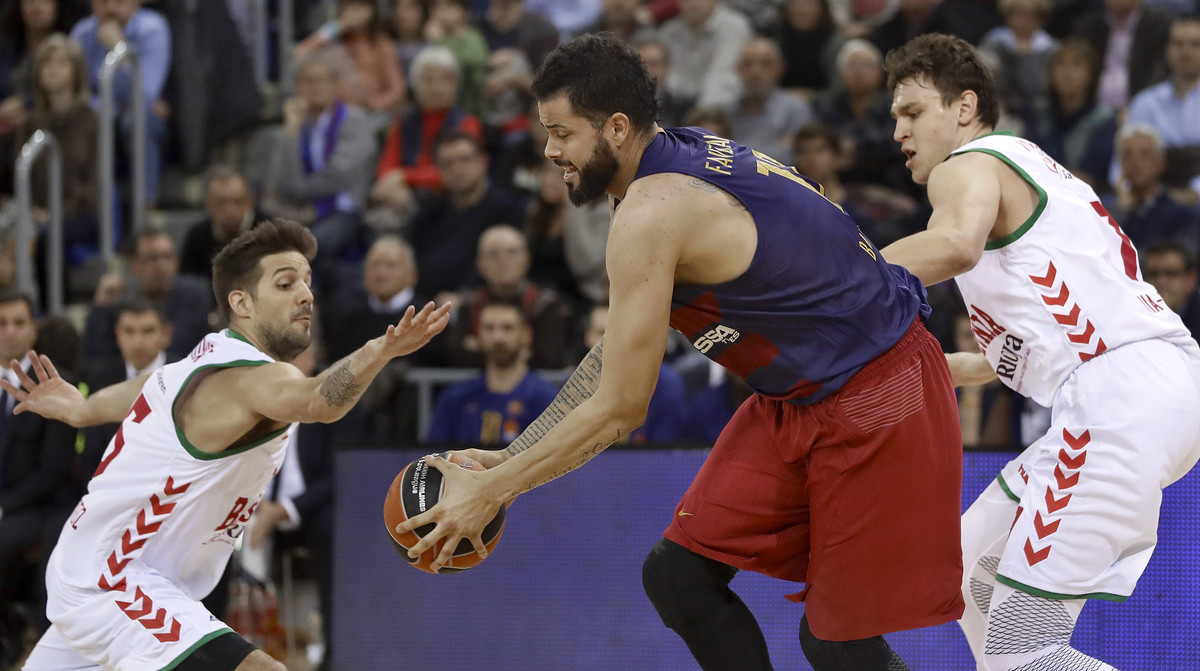 El Barça es descompon en un Palau encès