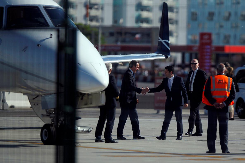 Cameron aterra a Gibraltar, encara que suspèn els actes contra el 'Brexit'
