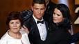 La mare de Cristiano Ronaldo, retinguda a Barajas per portar excés d'efectiu