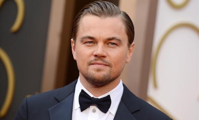 DiCaprio celebra una fiesta con chicas en biquini