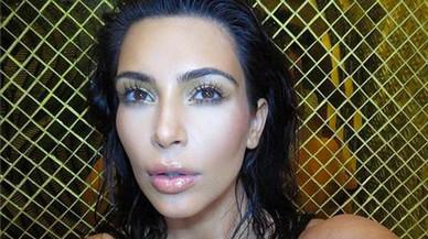 Kim Kardashian s'exhibeix despullada a Snapchat