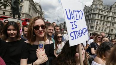 Europa aposta per donar temps a Londres per al 'brexit'