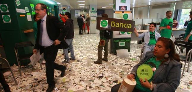 La pah ocupa 12 sucursales de bankia en catalunya for Buscador oficinas bankia