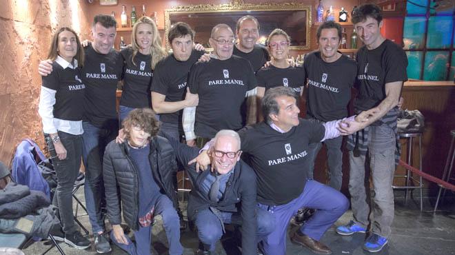 El Pare Manel ha reunido a varios famosos en una partida de ping pong solidaria.