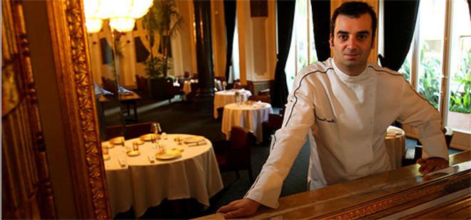 Romain Fornell, en el recién abierto comedor del Caelis. ÁLVARO MONGE