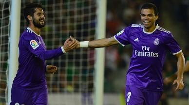El Madrid foragita els seus fantasmes amb una golejada contra el Betis