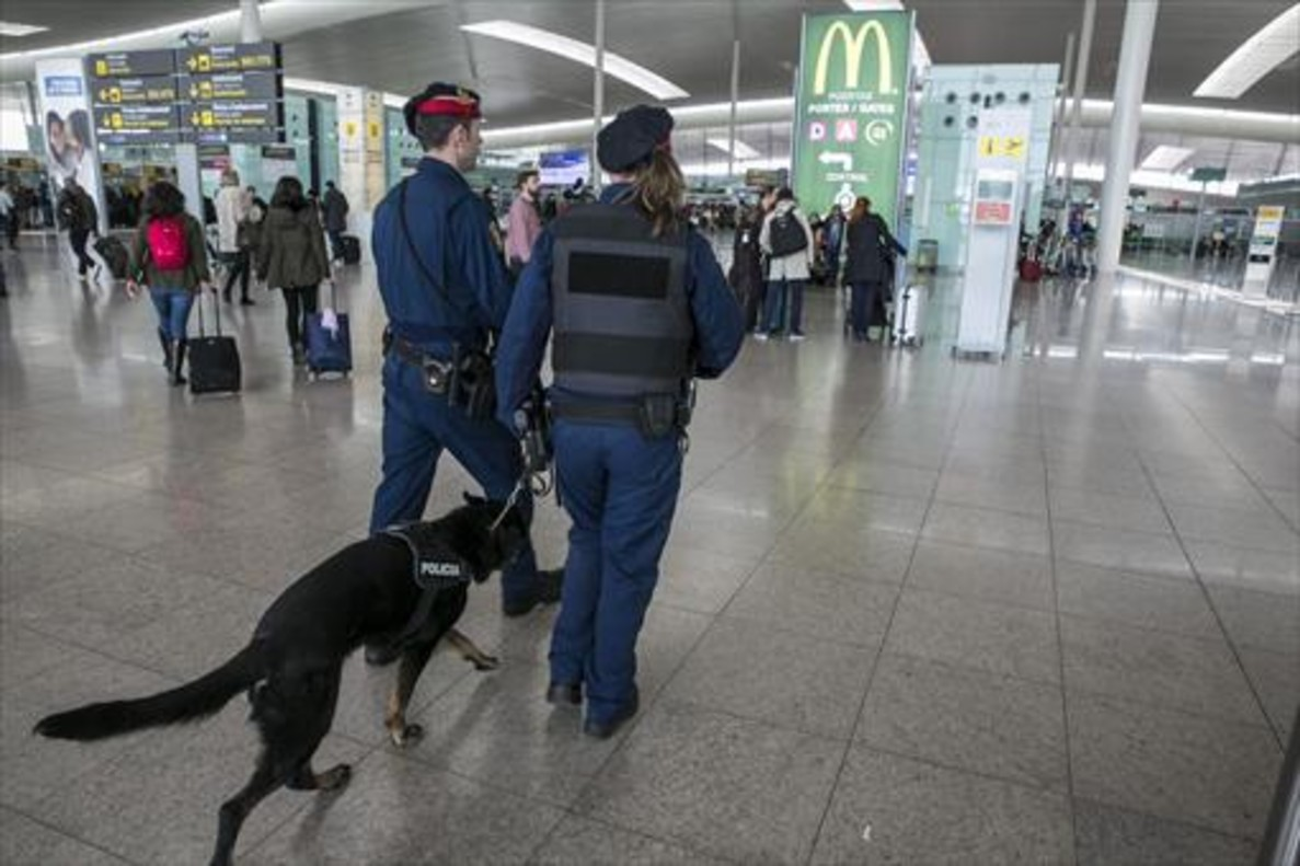 El cierre de Zaventem hasta el sábado obliga a las compañías a fletar vuelos alternativos